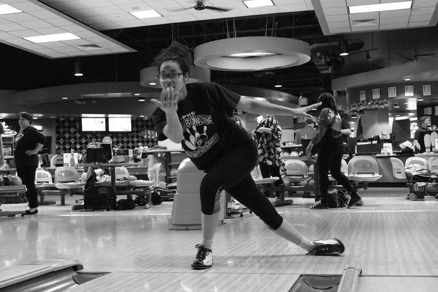 Approaching the lanes junior Asia Wren gets warmed up at a regular practice at Mel's. The team came together in the fall of 2015 and qualified for the first time in program history in the spring.