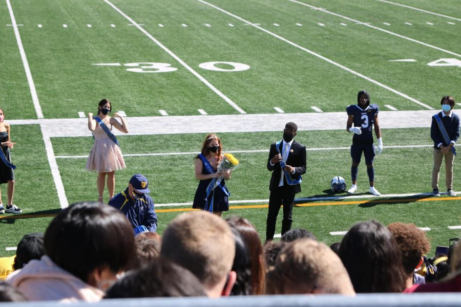 The crowning of Seniors Hannah Faiq and Solomon Washington